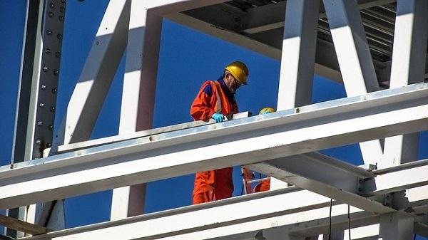Ngành xây dựng làm việc ngoài trời