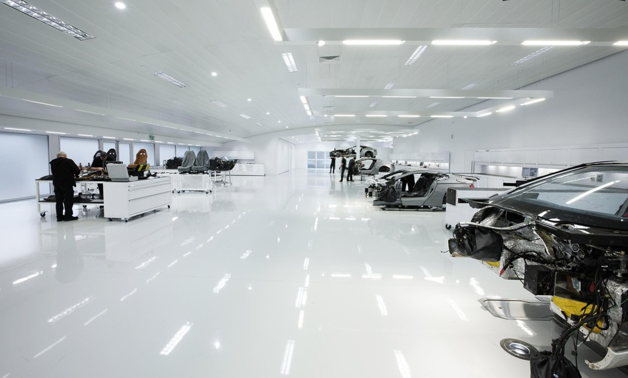 Phân Xưởng Sản Xuất Aston Martin