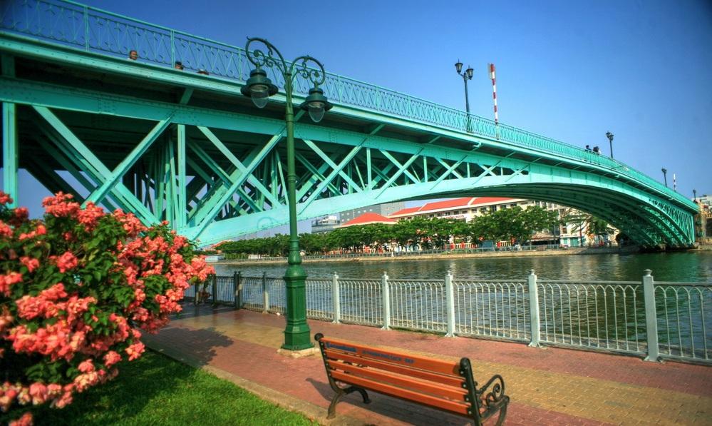 Cầu Mống đi bộ Quận 4