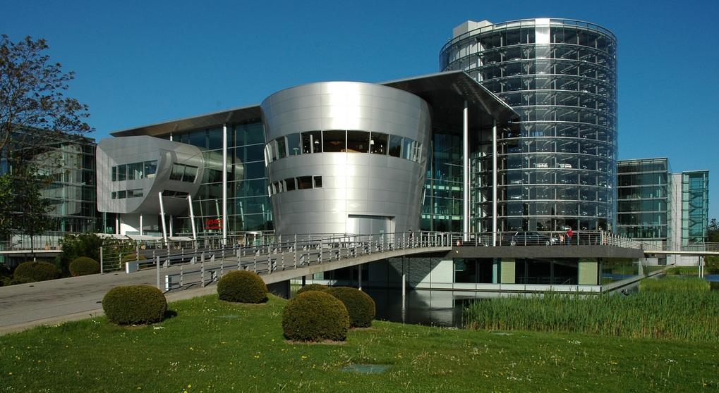 Nhà Xưởng Trong Suốt Volkswagen - Đức